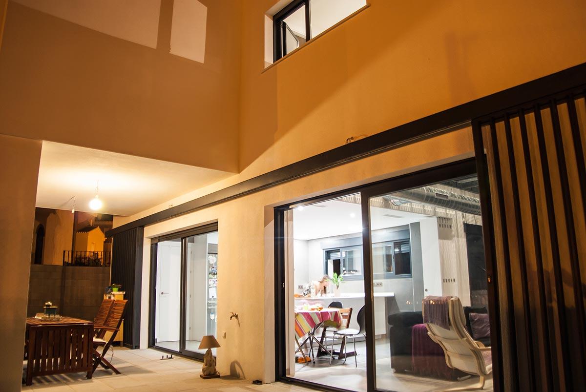 Interior de vivienda nueva construida por Muntasil, empresa constructora en Granada
