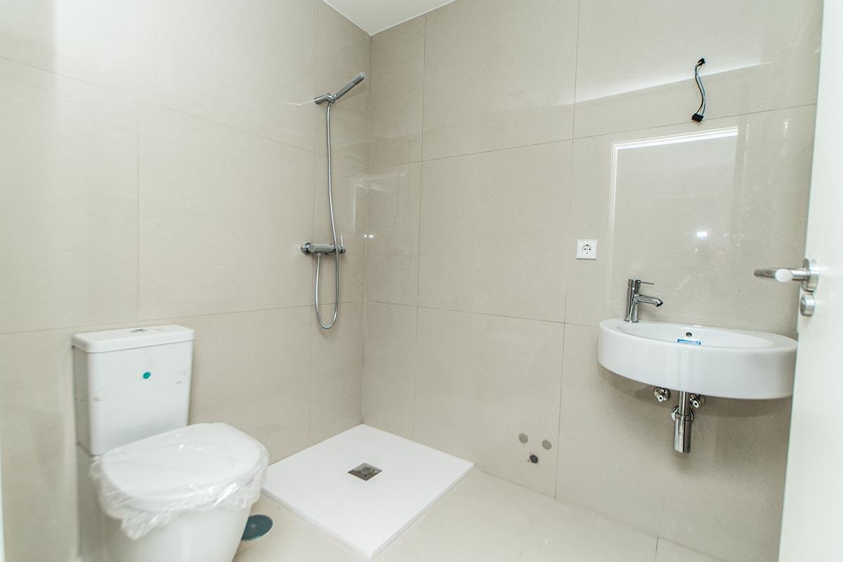 Baño, reforma ejecutada por Muntasil empresa de reformas y albañilería en Granada